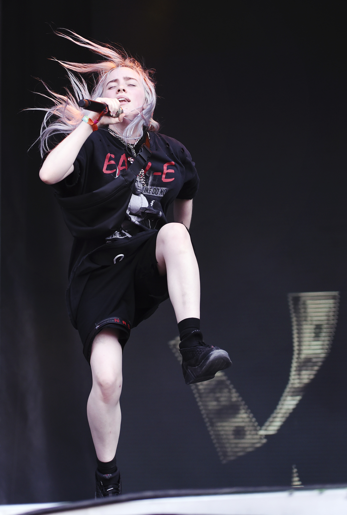 Billie Eilish_001.jpg