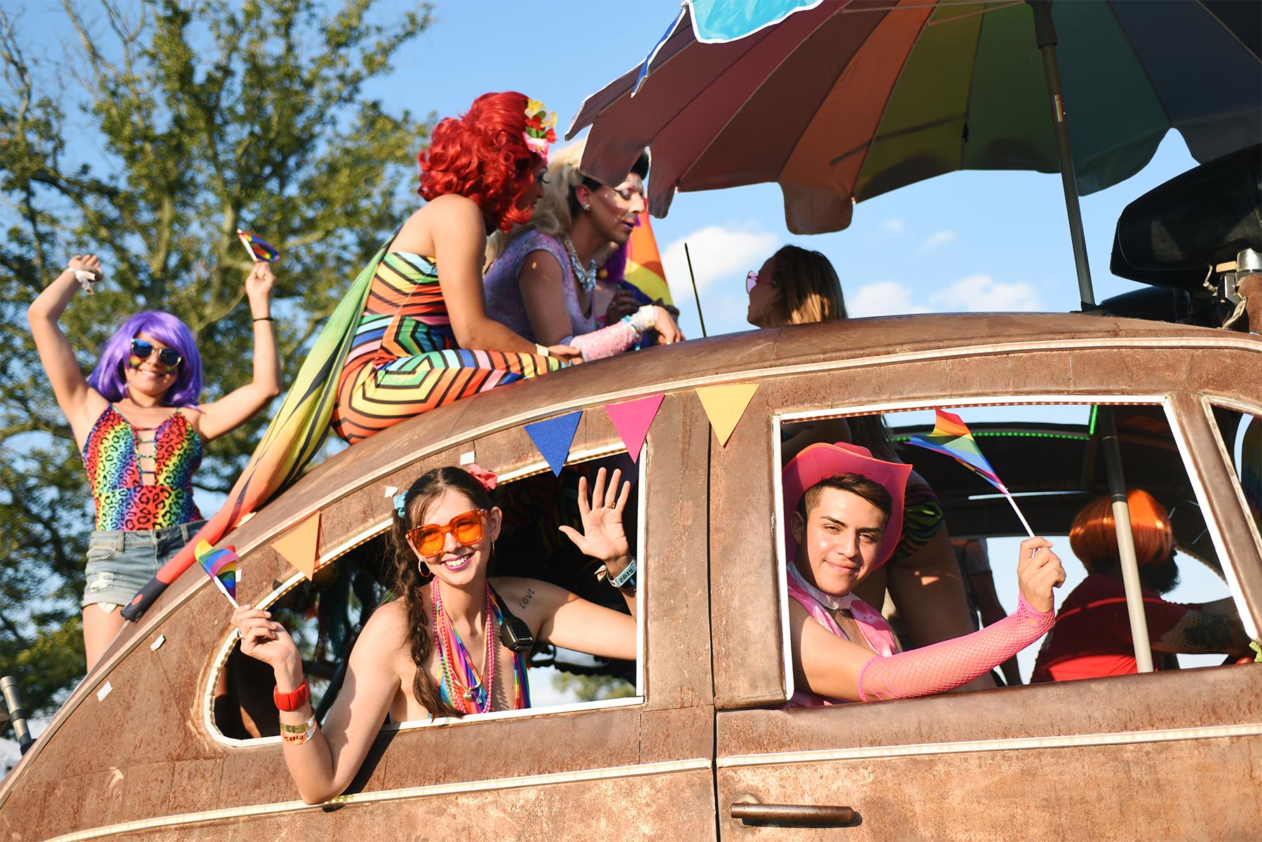 Roo pride_01web.jpg