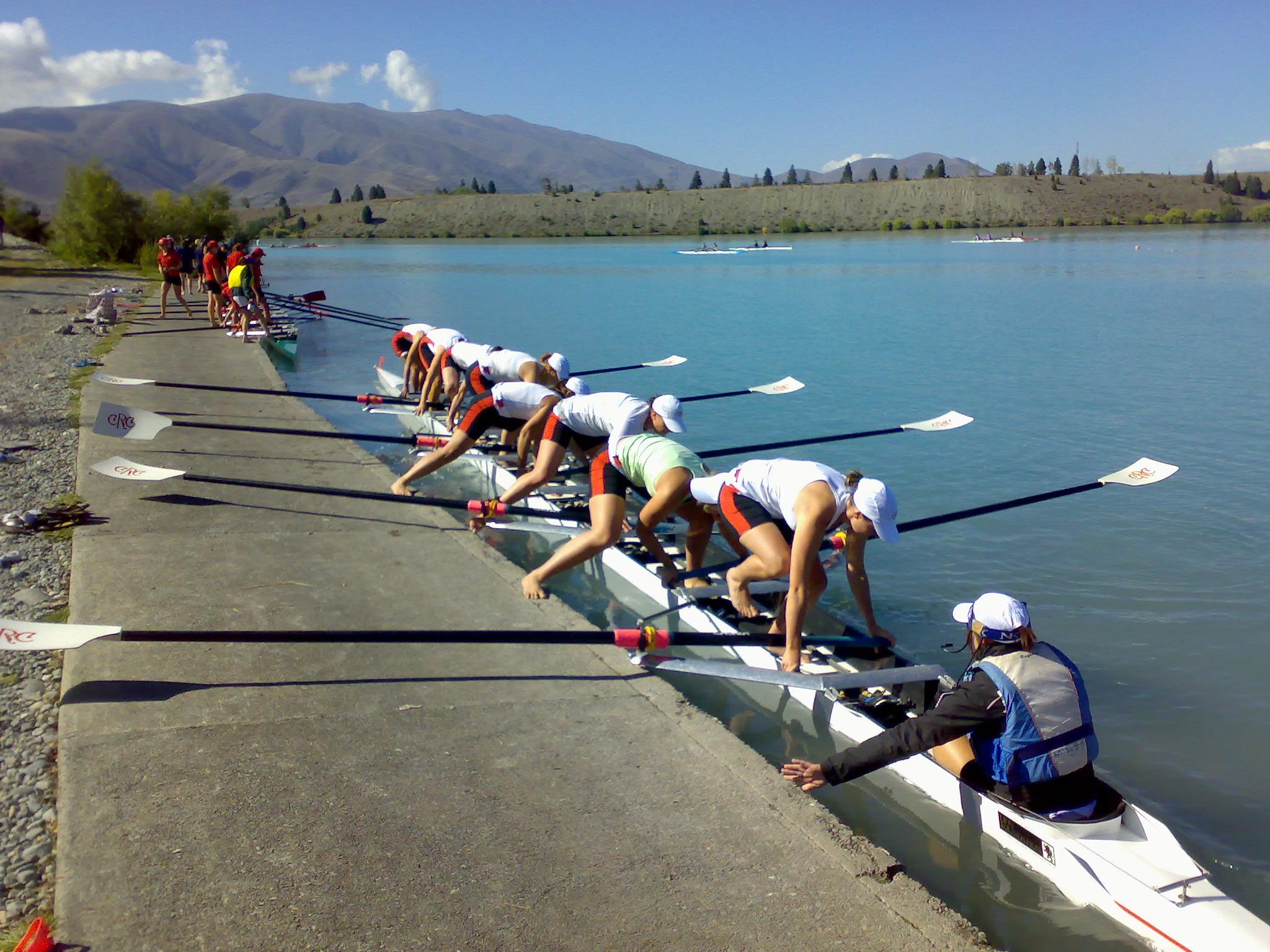 novice women 8 at 2008 south island championships.jpg