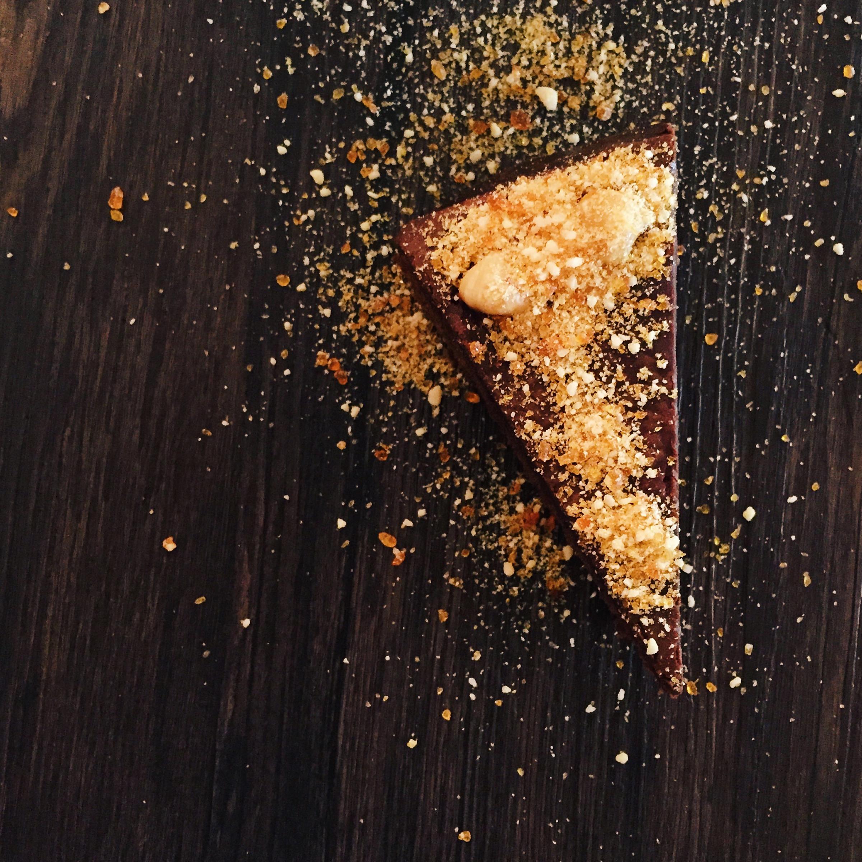 Chocolate Cake, Ganache & Croquant | RafaellaSargi.com
