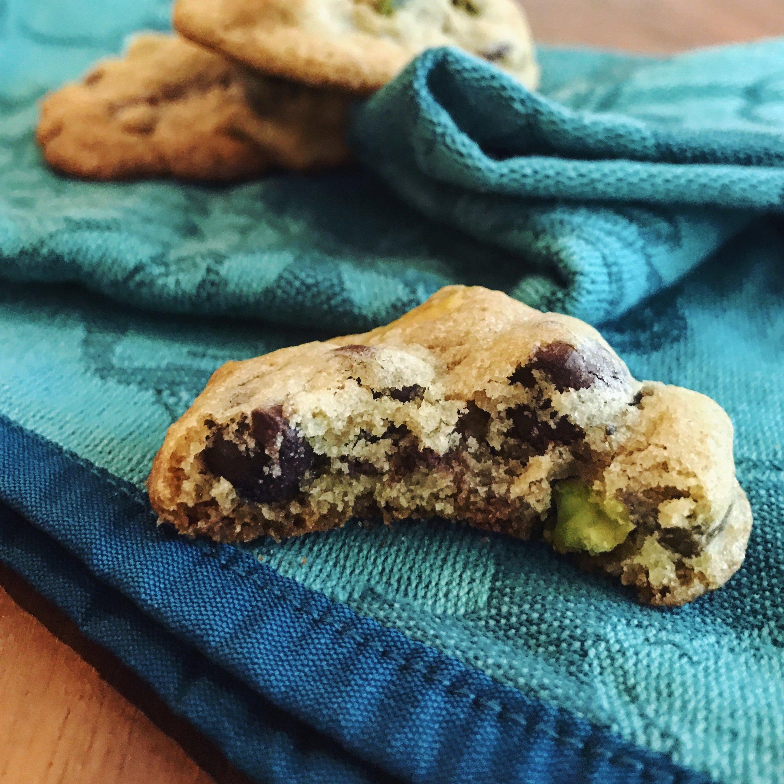 Chocolate Pistachio Cookies | RafaellaSargi.com