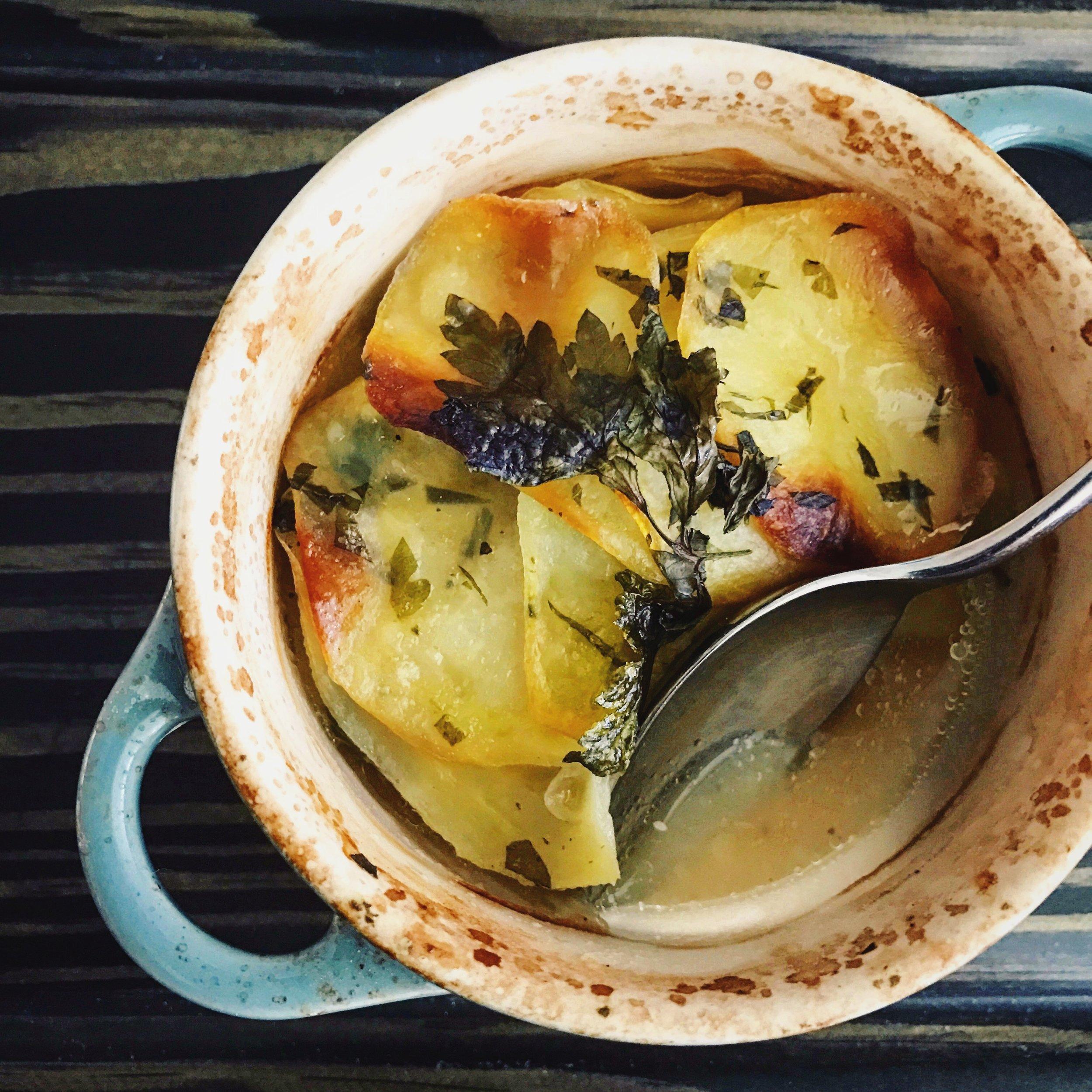 Boulangere Potatoes | RafaellaSargi.com