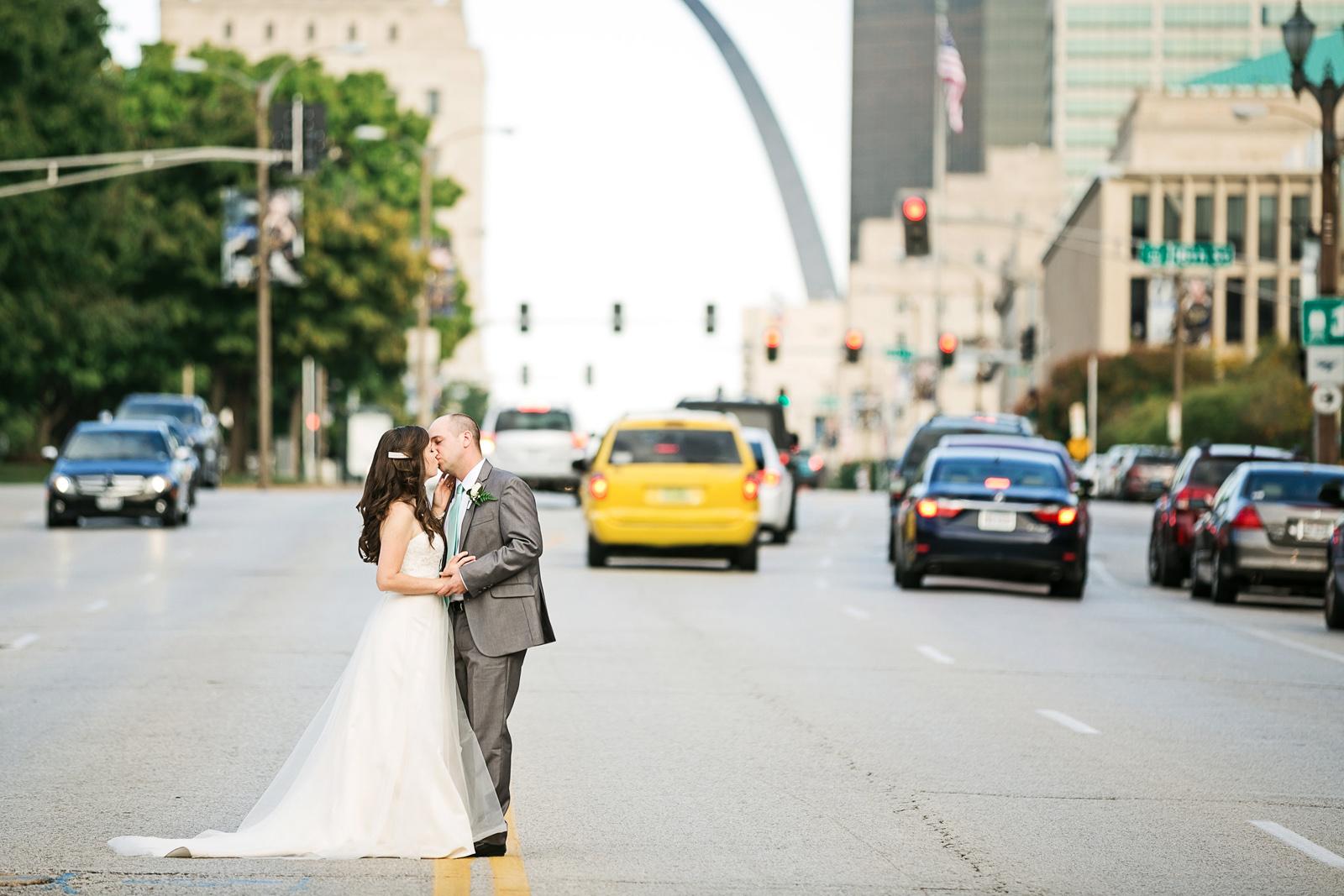 Oldani-Photography-St-Louis-Union-Station-Wedding-Party-wedding-photos_20140927_17183398.jpg