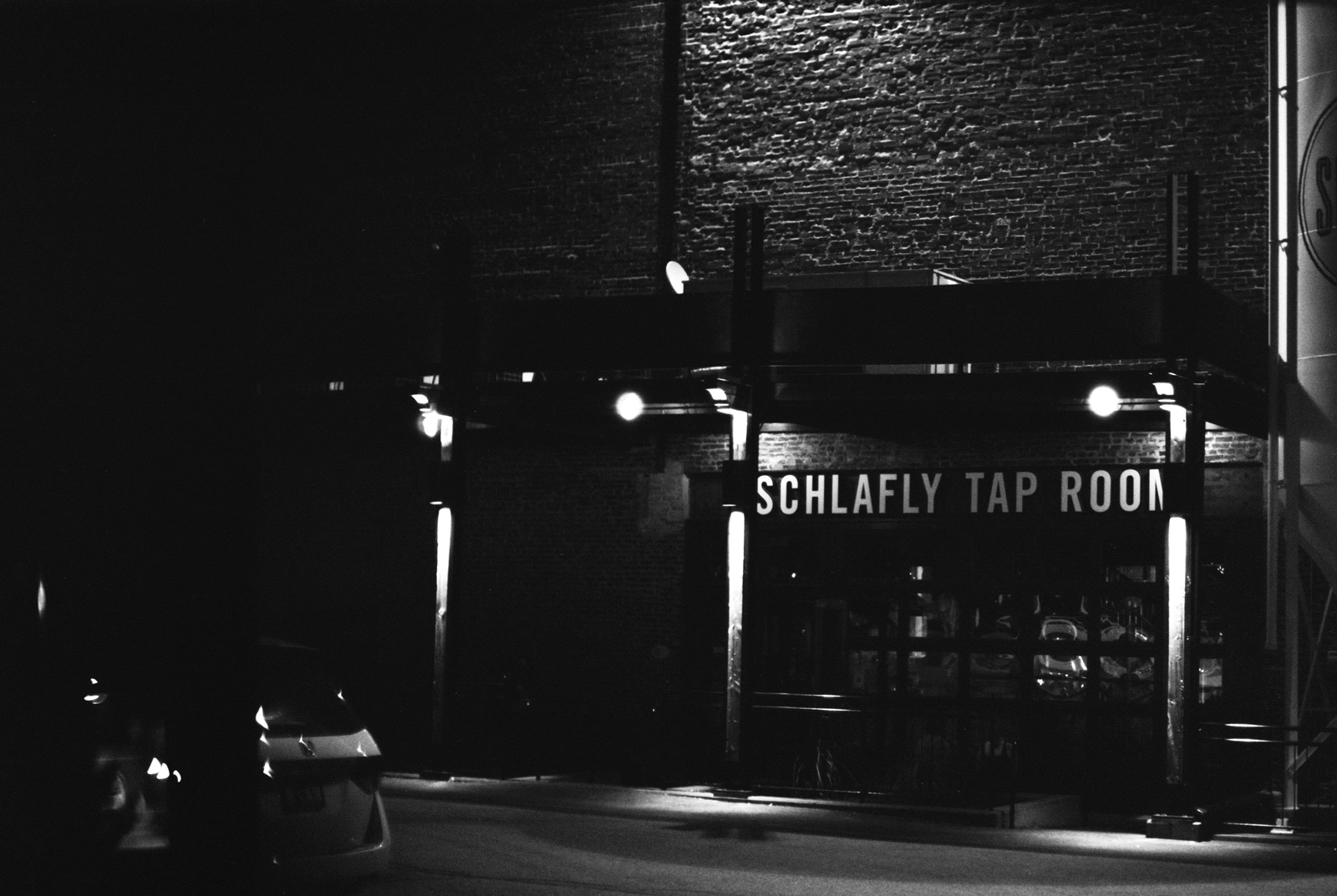 Oldani-Photography-St-Louis-Film-Photographer-Schlafly-Tap-Room-Wedding-Reception6968_31.jpg