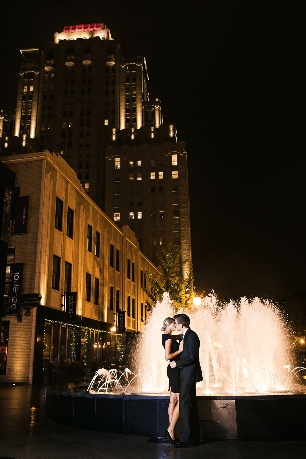 Oldani-Photography-St-Louis-CWE-Central-West-End-Night-Engagement-Photos_20141012_190448.jpg