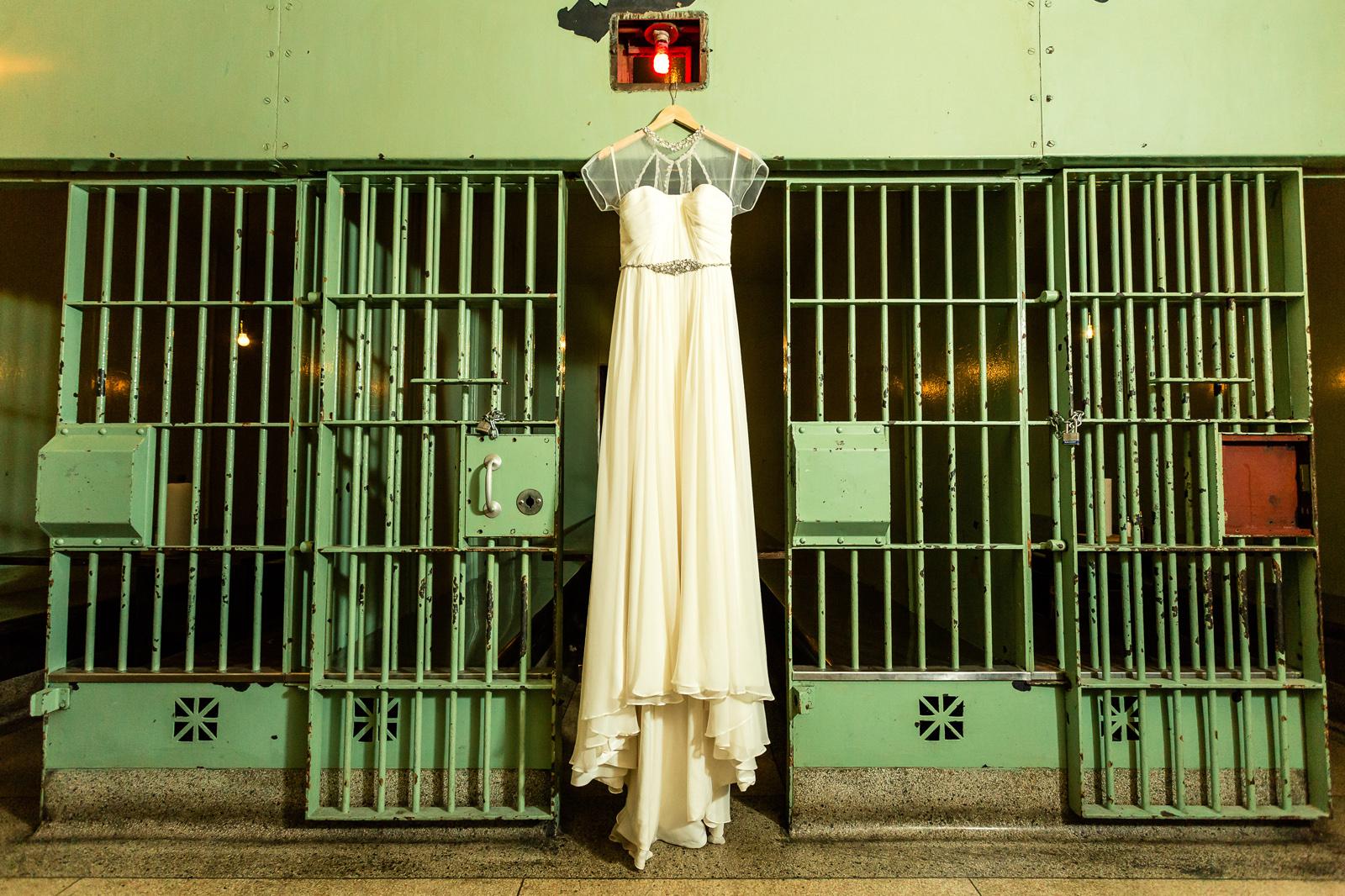 Oldani Photography-St Louis-Wedding Photos-wedding photographer-First Look-Mad Art Gallery_20141122_14180300.jpg