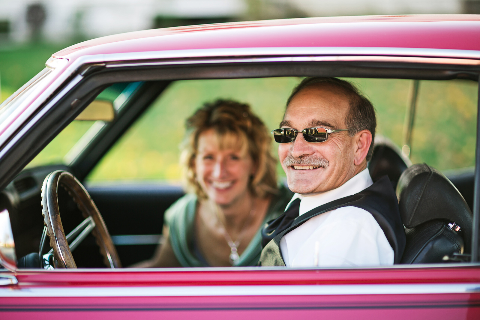 Oldani Photography-St Charles-Wentzville-St Paul-classic cars-red barn-wedding party-wedding photographer-wedding photos_20141025_16232858.jpg
