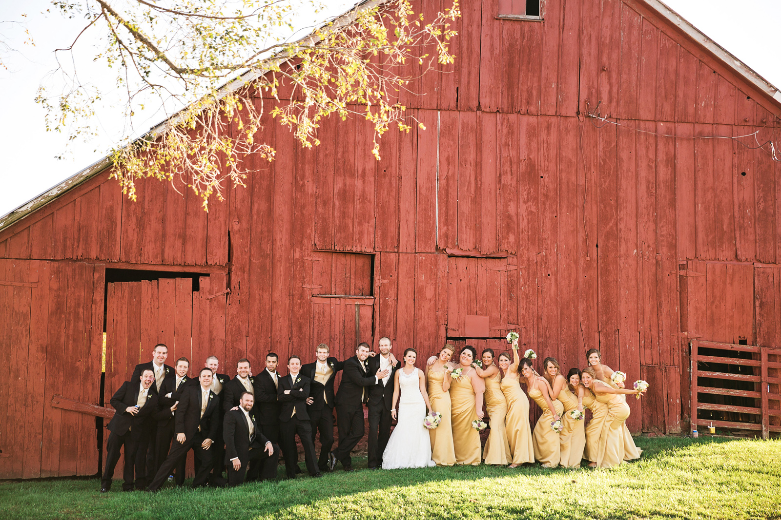 Oldani Photography-St Charles-Wentzville-St Paul-classic cars-red barn-wedding party-wedding photographer-wedding photos_20141025_16435300.jpg
