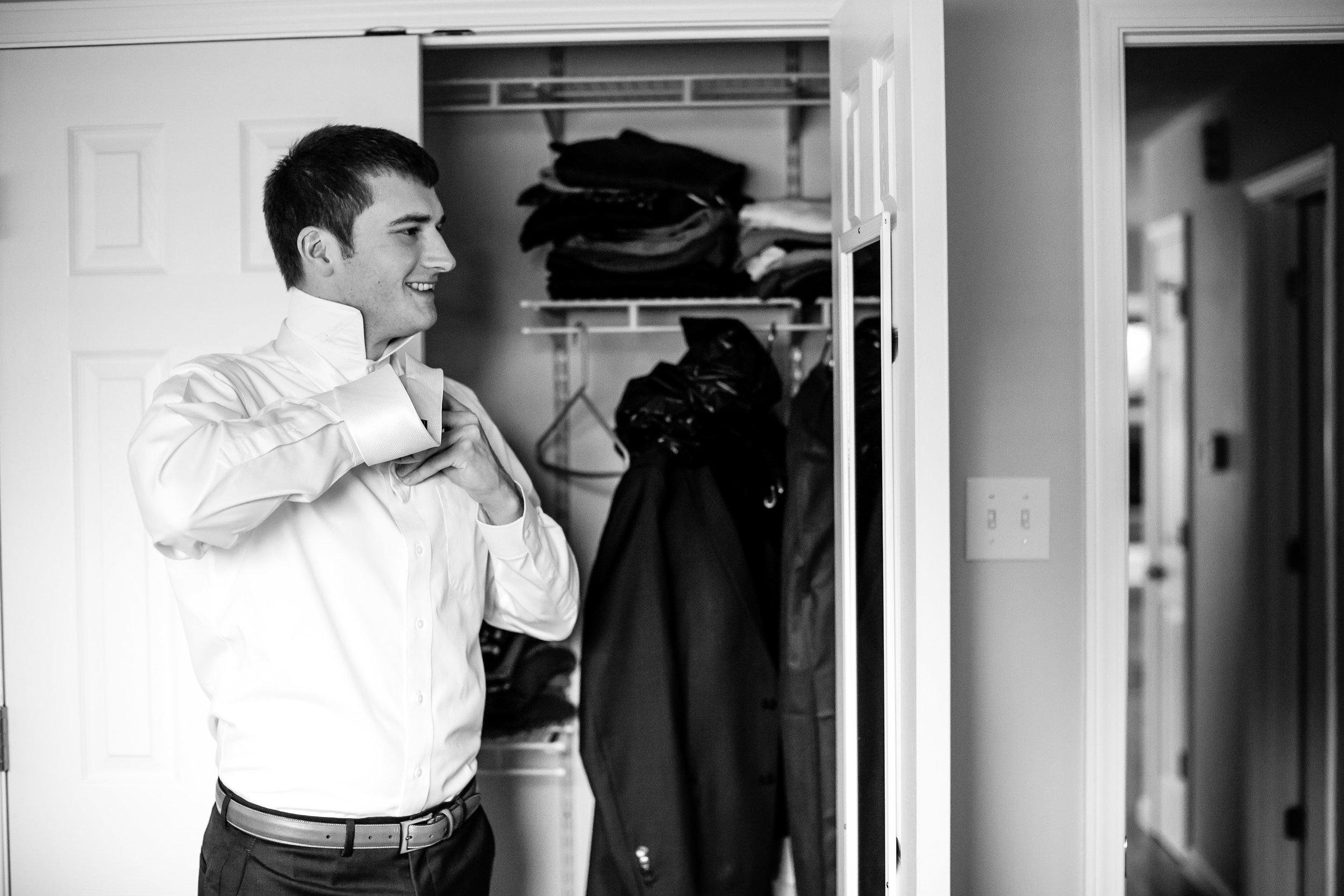 St. Louis Wedding Photographer Oldani Photography Getting Ready 1.jpg