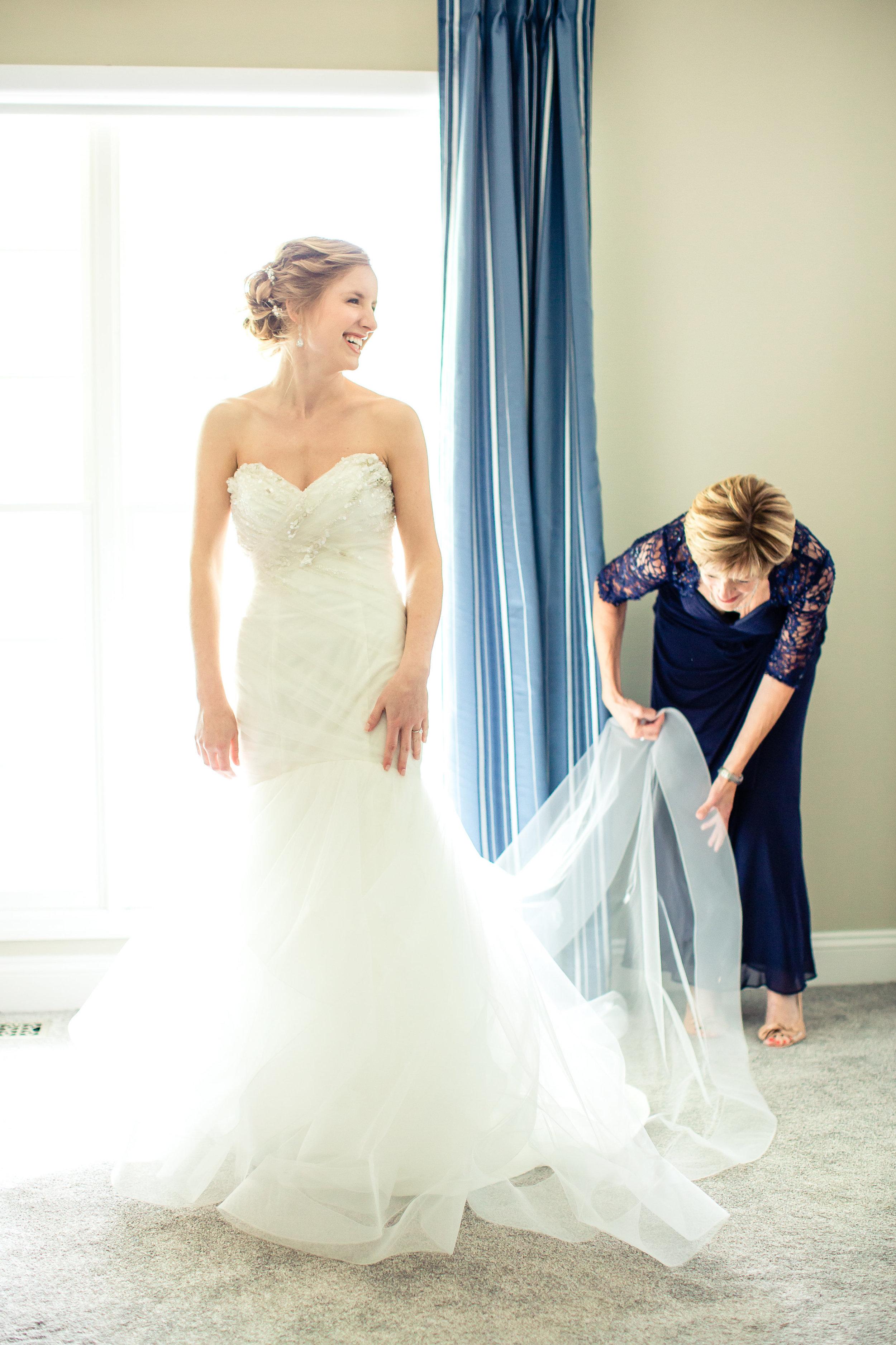 St. Louis Wedding Photographer Oldani Photography Getting Ready 8.jpg