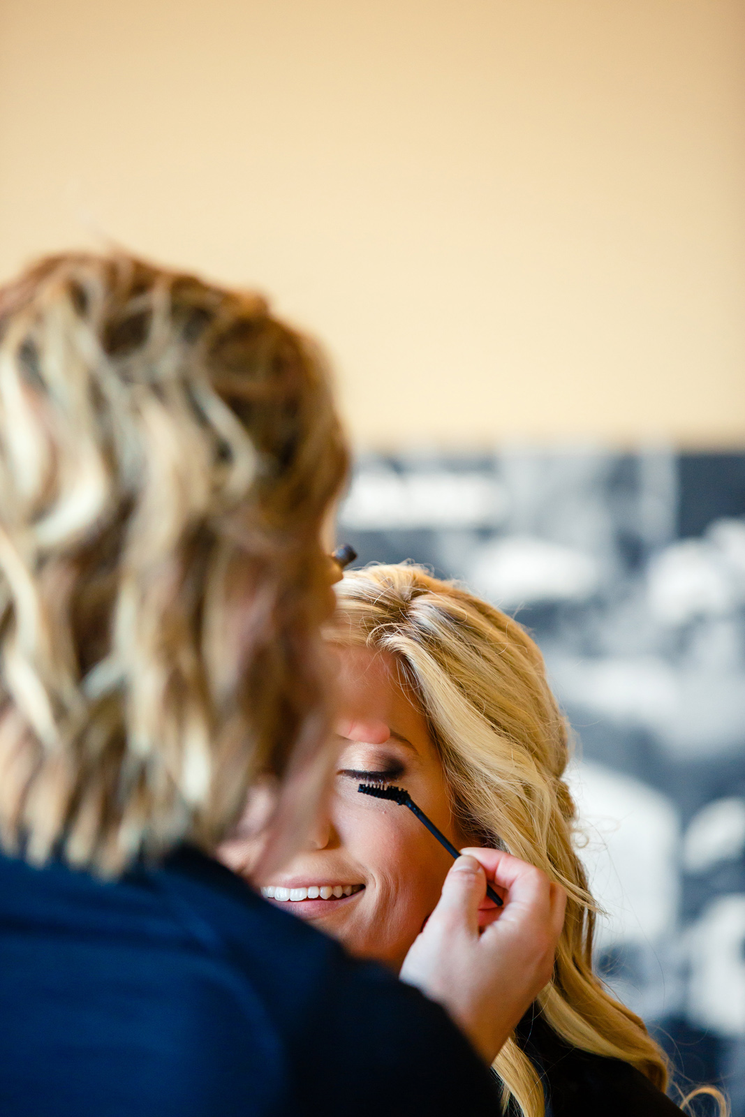 Millstadt Bride at Salon Whimz Bridal Party Photos with St. Louis Wedding Photographers by Oldani Photography 1.jpg