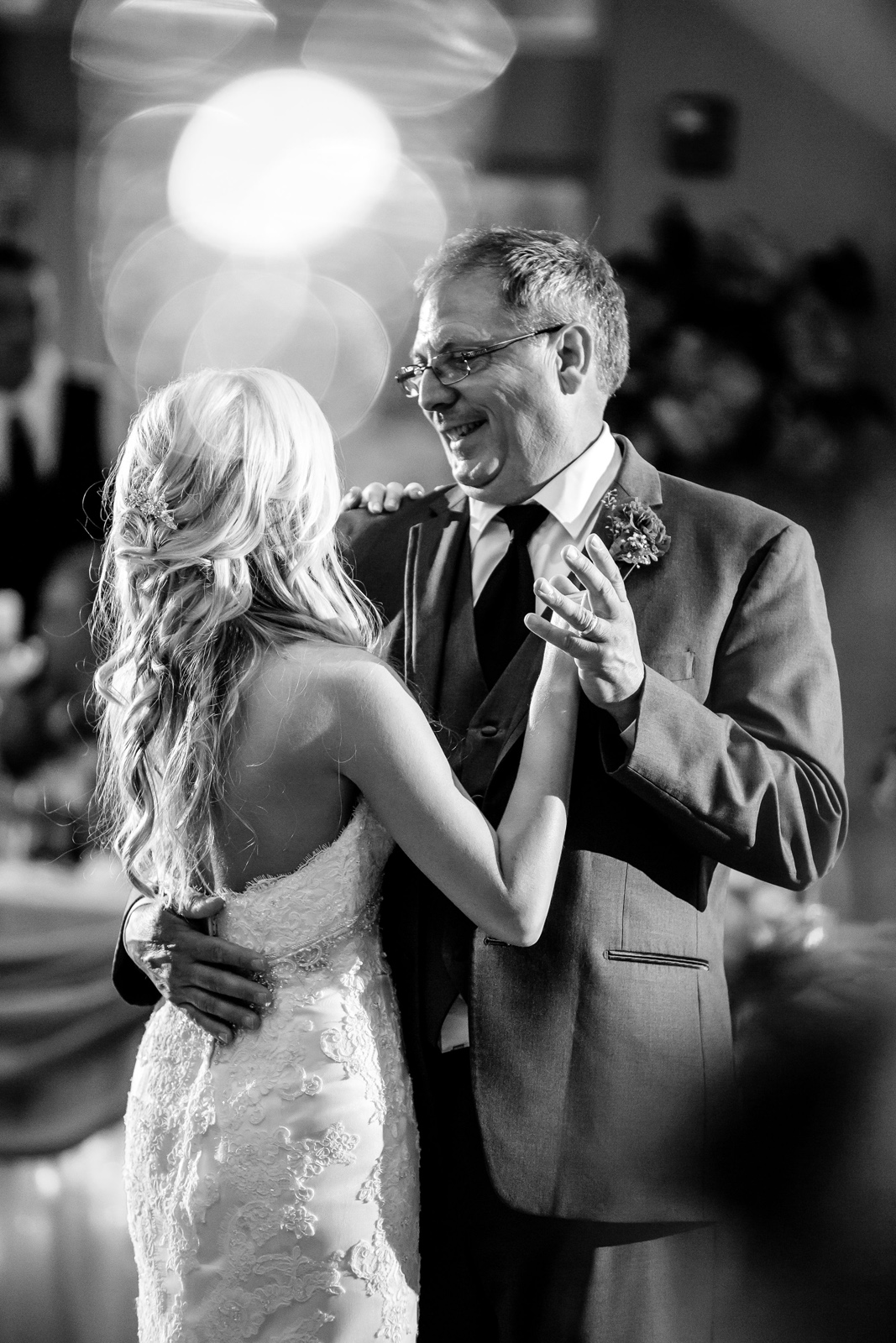 St. Clair Country Club Wedding Reception Photos with St. Louis Wedding Photographers by Oldani Photography 32.jpg
