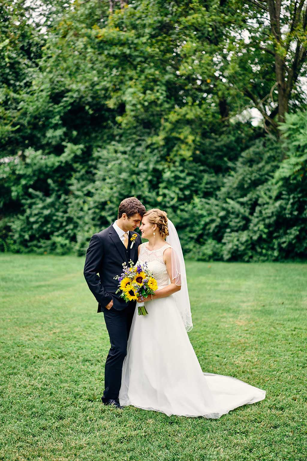 Old Cathedral Basilica / Oak Knoll Park / Royale Orleans Wedding Photos by St. Louis Wedding Photographers Oldani Photography