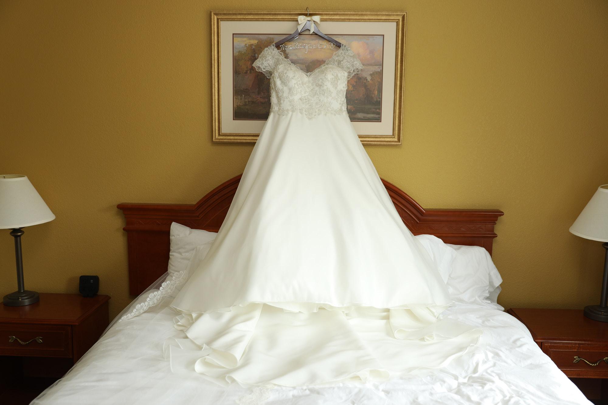 St Charles Borromeo Wedding and Heart of St Charles Reception Photos by St Louis Wedding Photographer Oldani Photography