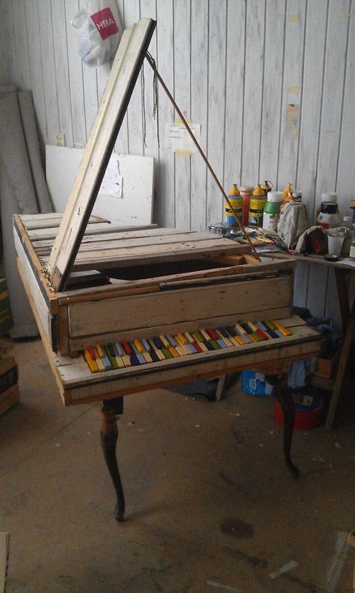 Homemade piano by Harm  Goslink  Cooper (via Booooooom!)