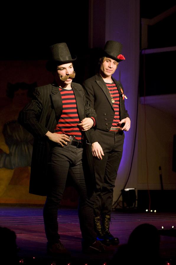 Ringmasters Danny Bryck (l) and Casey Preston