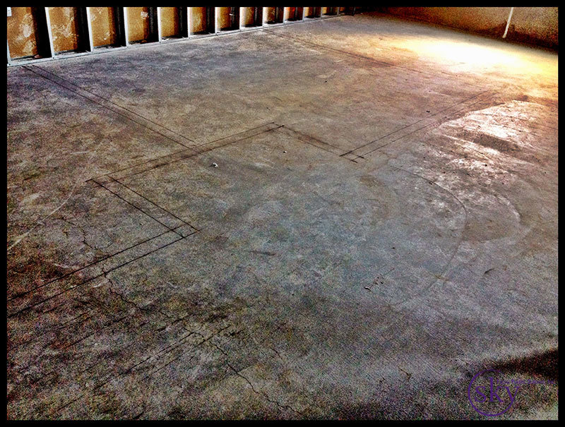 PHOTO: The line snaps on the floor allow us to see where the walls will be.