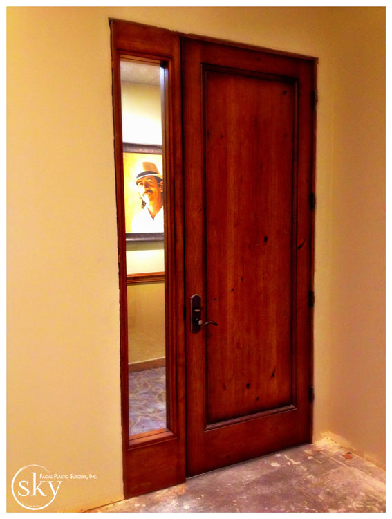 PHOTO: Entry door with sidelight
