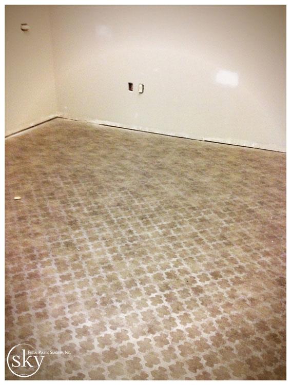 PHOTO: Vinyl floor.