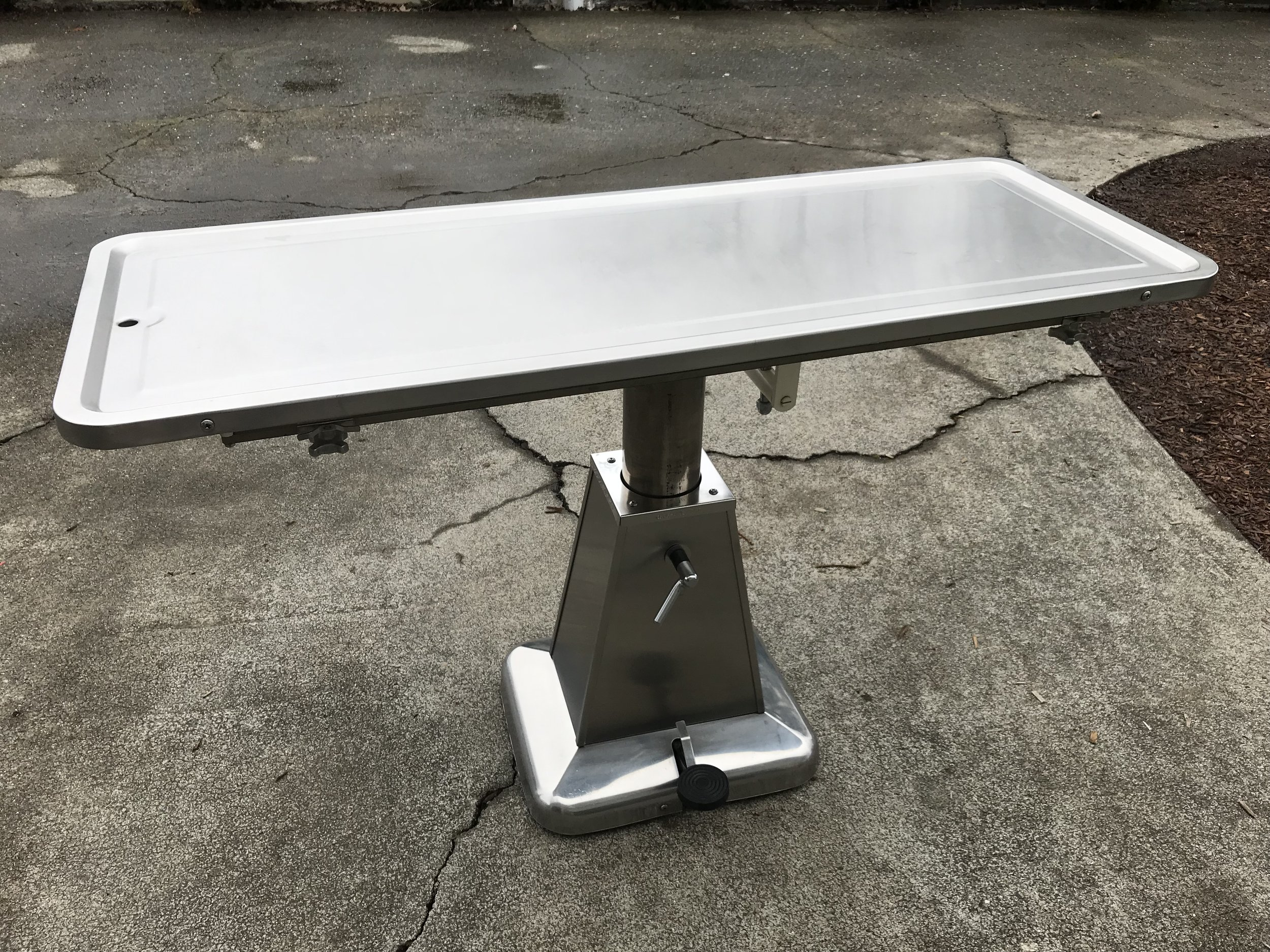 shor-line flat top hydraulic surgery table - local pick up only in sonoma  county, ca