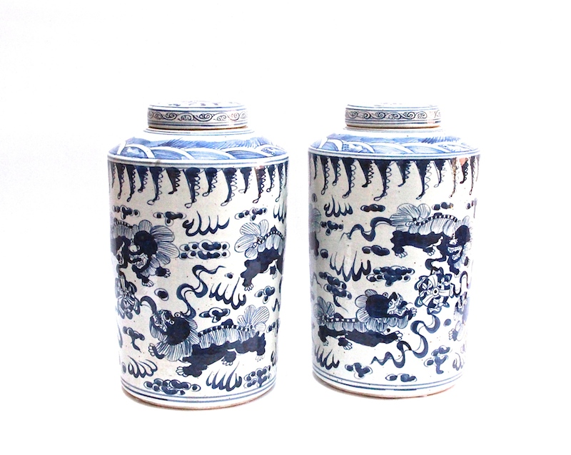 B&W  Porcelain Tall Canister   10dx18h   OP141