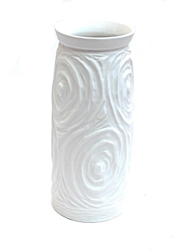 Porcelain Swirl Vase   4.5×12h   BUPHRV