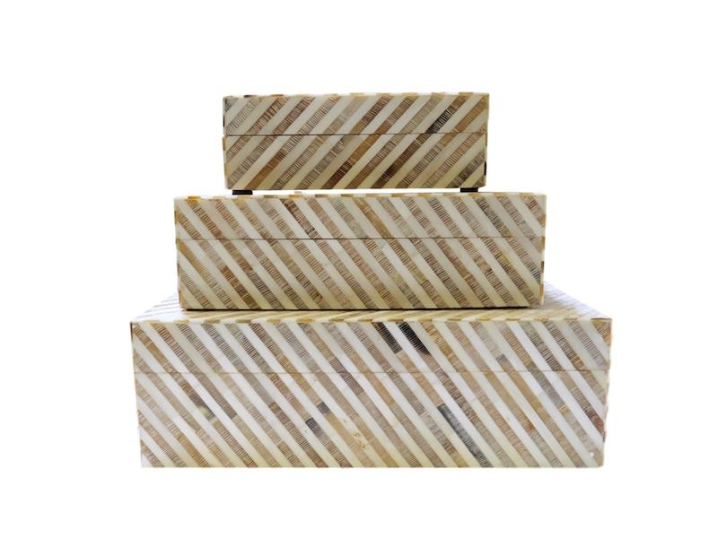 Etched Horn/Natural Bone Stripe Box  BIJ623S  7x5x2.5h  BIJ623M  9.5x7x3h  BIJ623L  12x9x4h