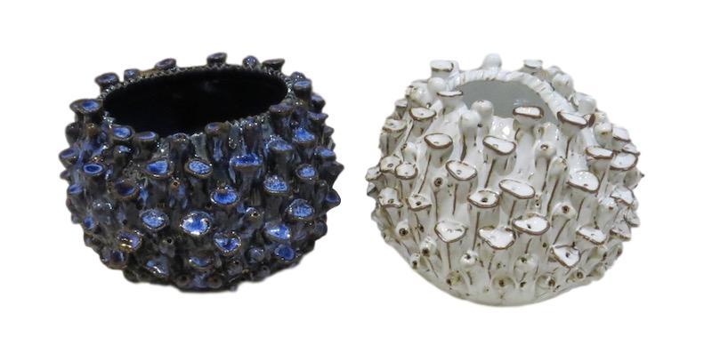 Sea Anemone Vase  Blue 5dx4.5h FTSR131B  White 5dx4.5h FTSR131W  Grey 5dx4.5h FTSR131G