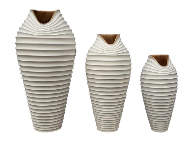 Tamarind Dune Vase Medium   6dx15.5h  BUIIDVM