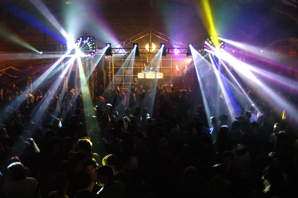 8-Traits-of-a-Perfect-Nightclub1.jpg