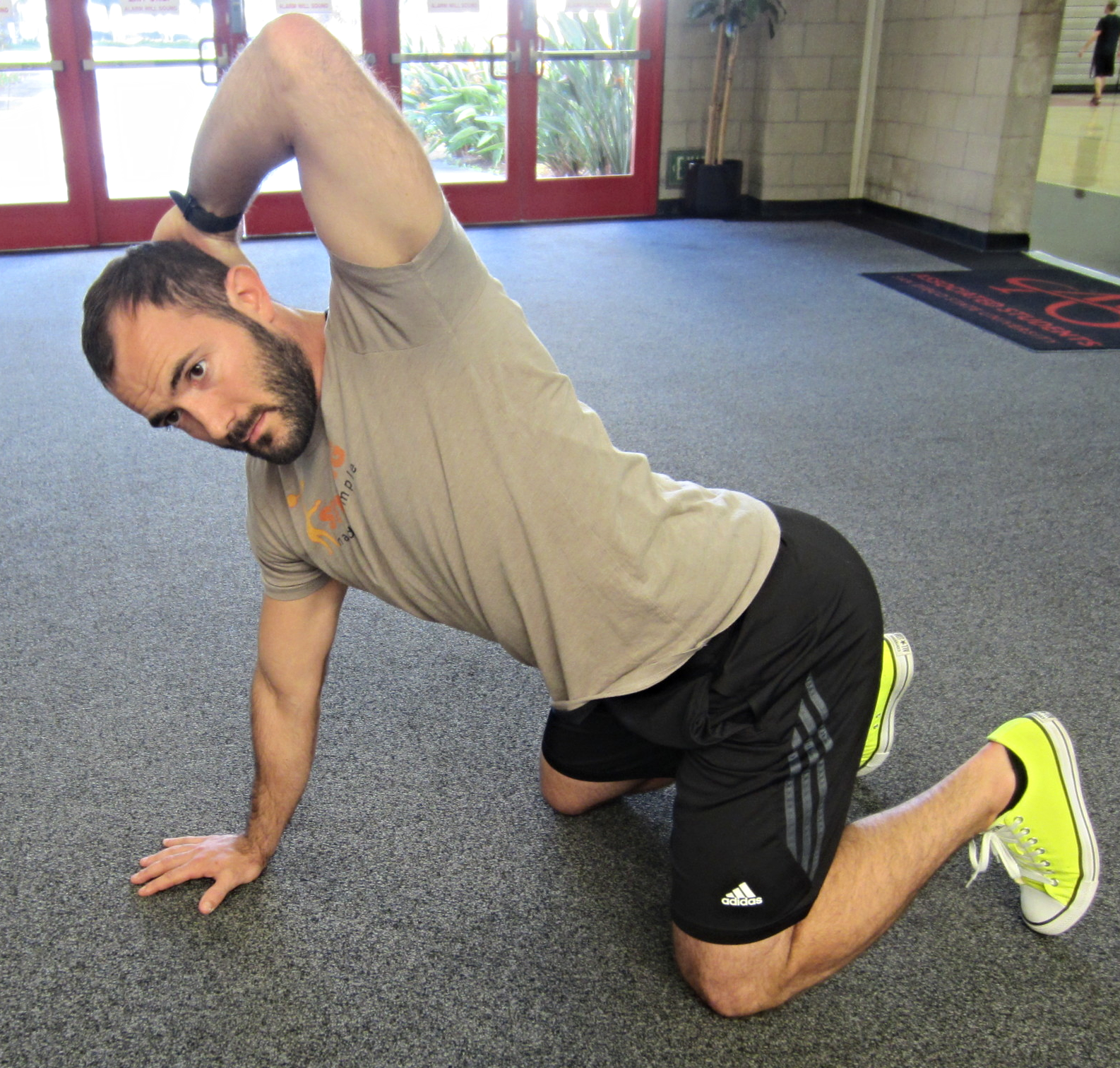 Personal Trainer Thoracic Mobility Exercise