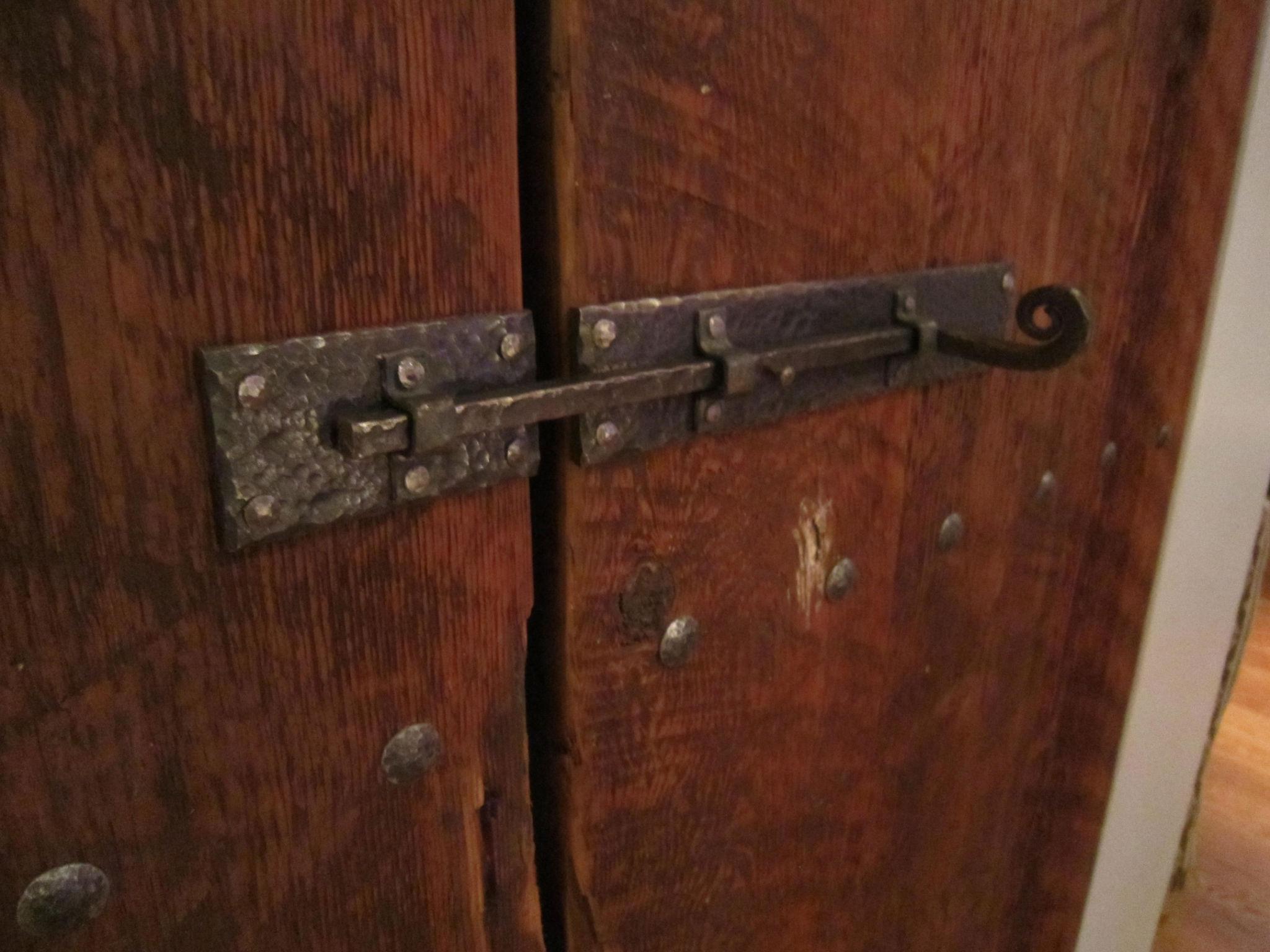 doorthrow1.jpg