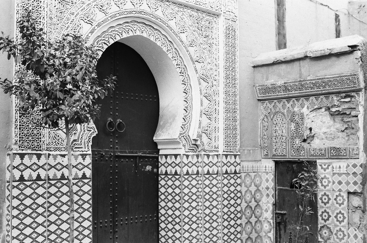 Wooden Door and Tile Work at Turning Corner in Marrakech medina_web.jpg