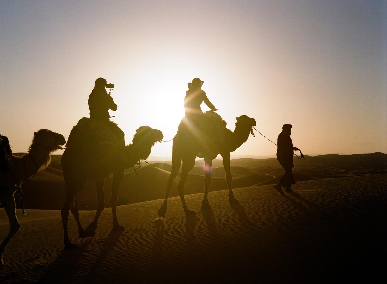 NY Couple and Sunset on Dune Top_Sahara_Selfie Stick_web.jpg