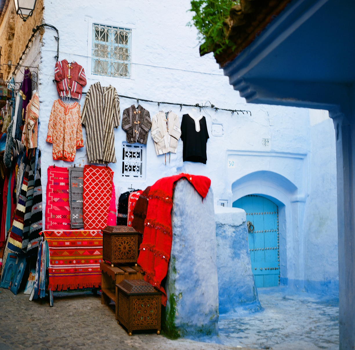Rugs on Wall and Corner Door Entrance_Chefchaouen_web.jpg