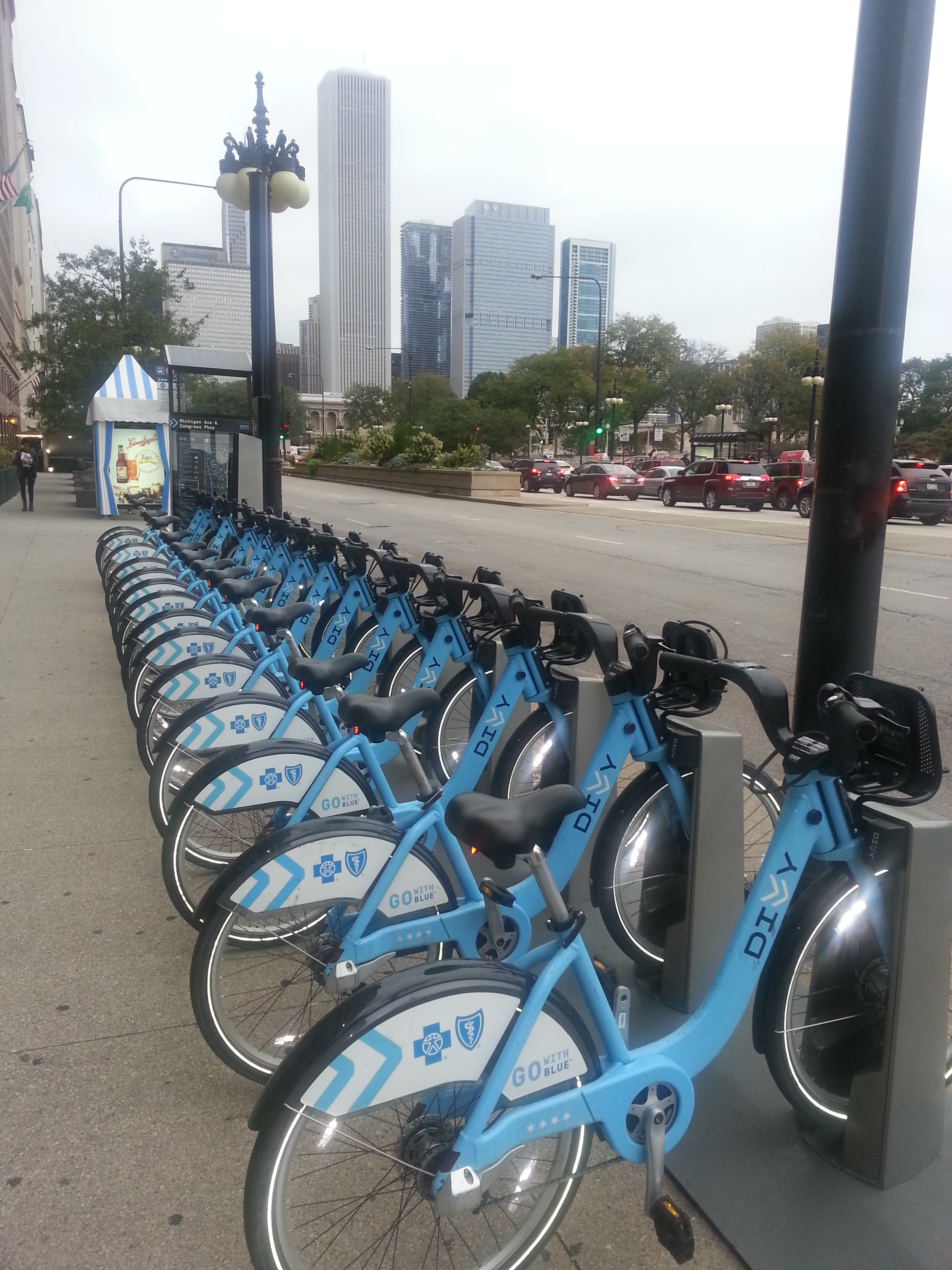 Divvy bike share is spreading from Chicago to Oak Park and Evanston bringing shared use mobility to urban and suburban residents. (Photo: M. Zimmerman, Sept 2015).
