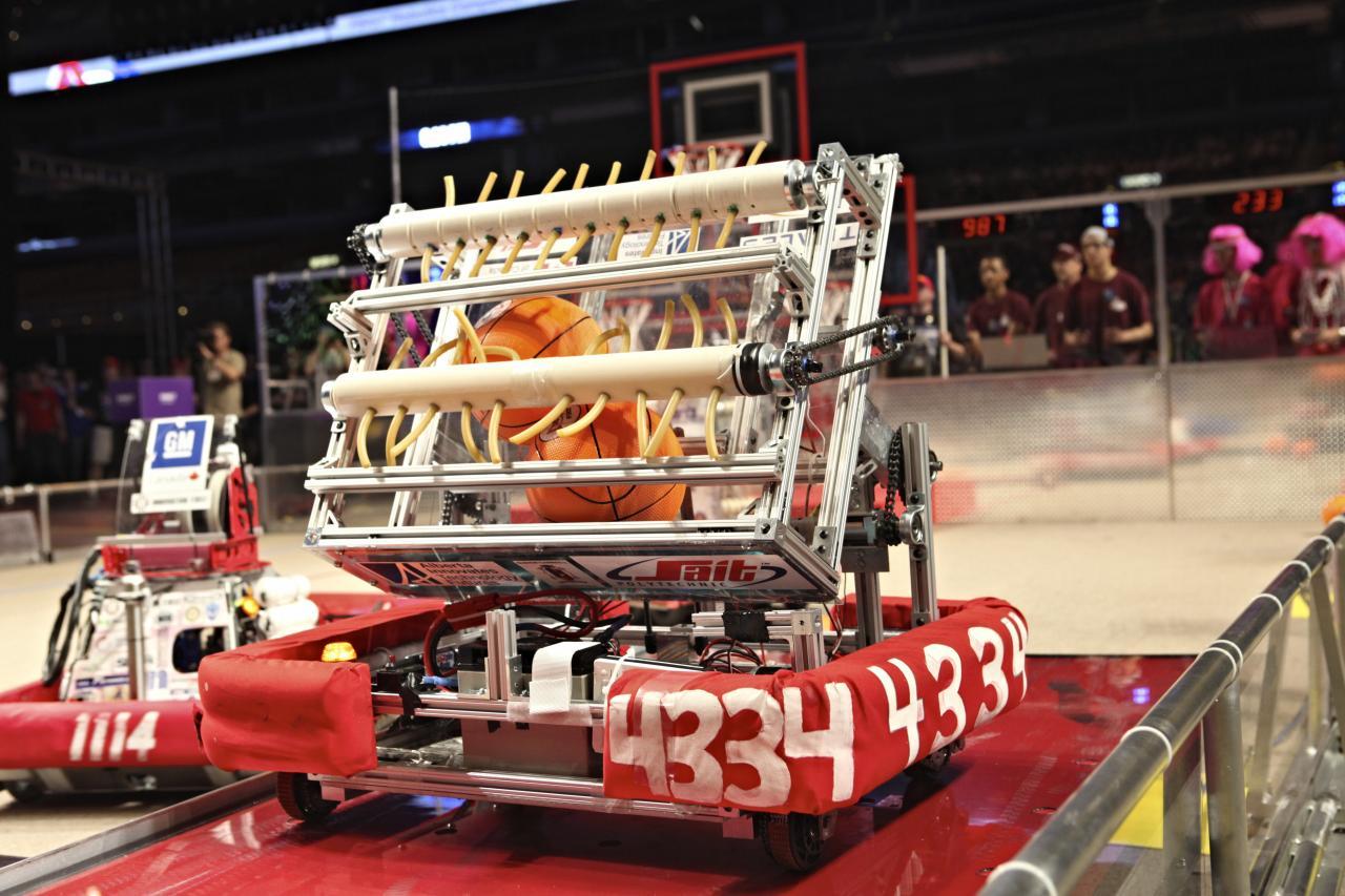 robot6_img_7570_ag-2.jpg