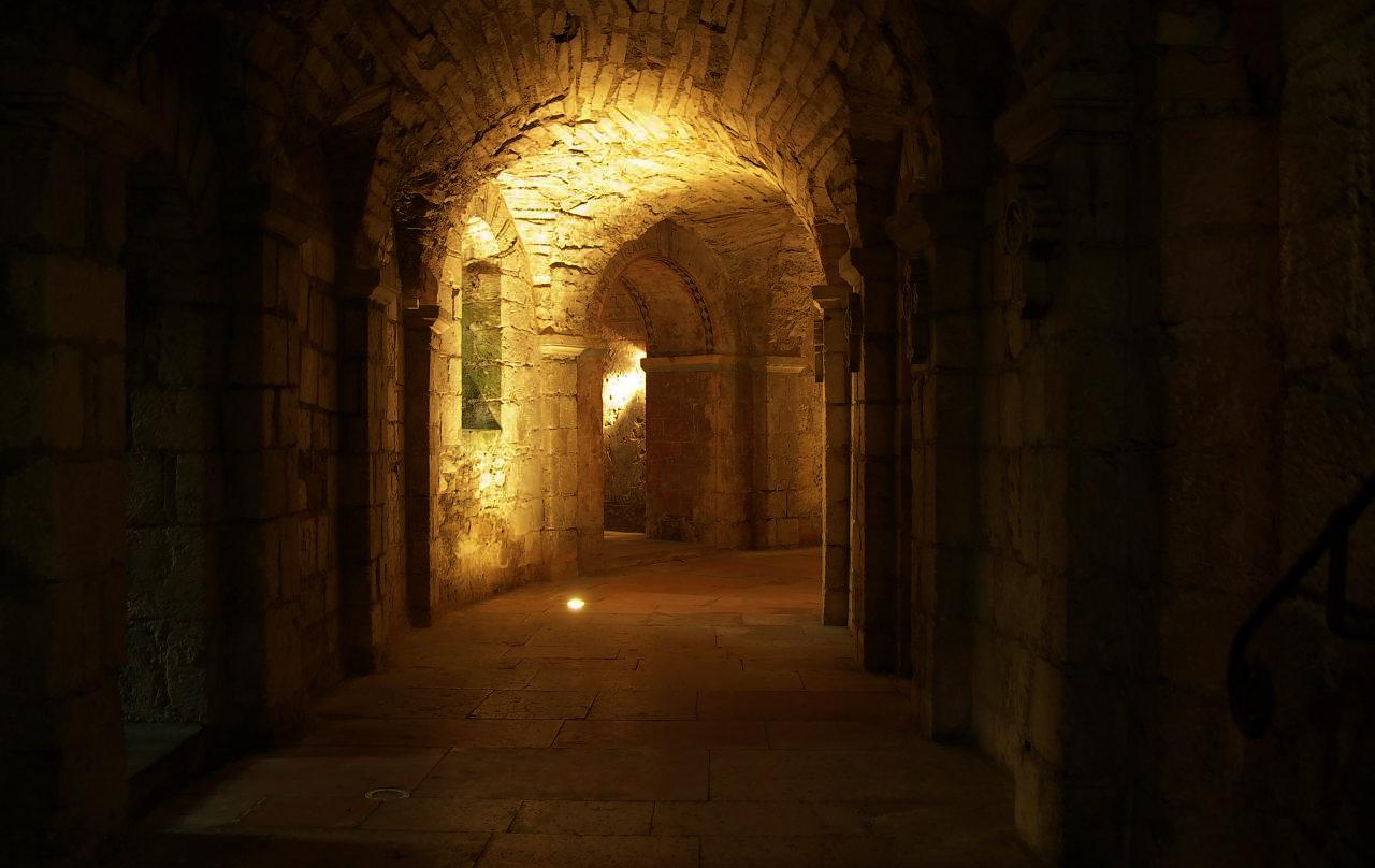 Golden Crypt  via  Photopin   (cc)