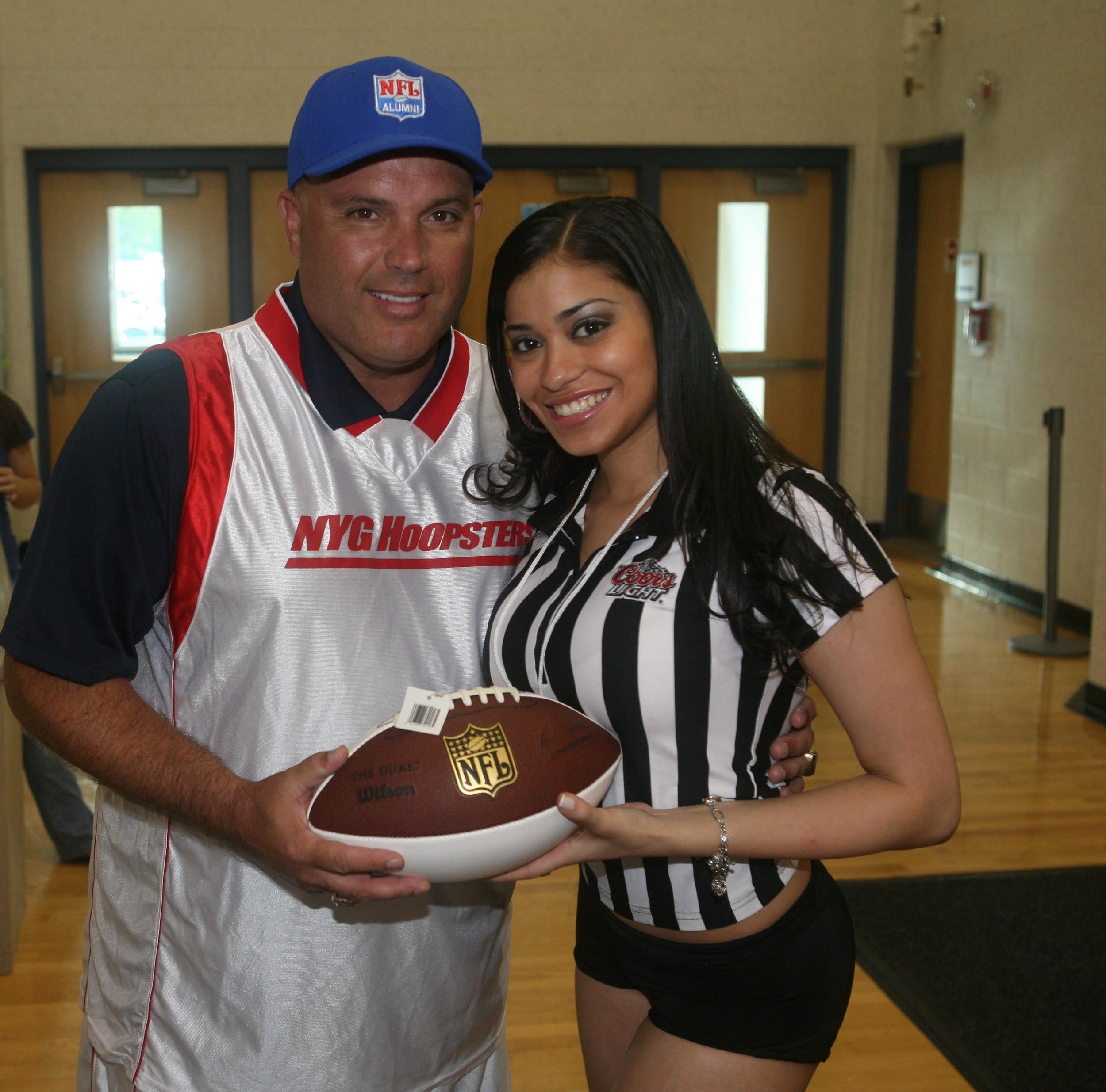 NFL Giants Player, Sean Landeta