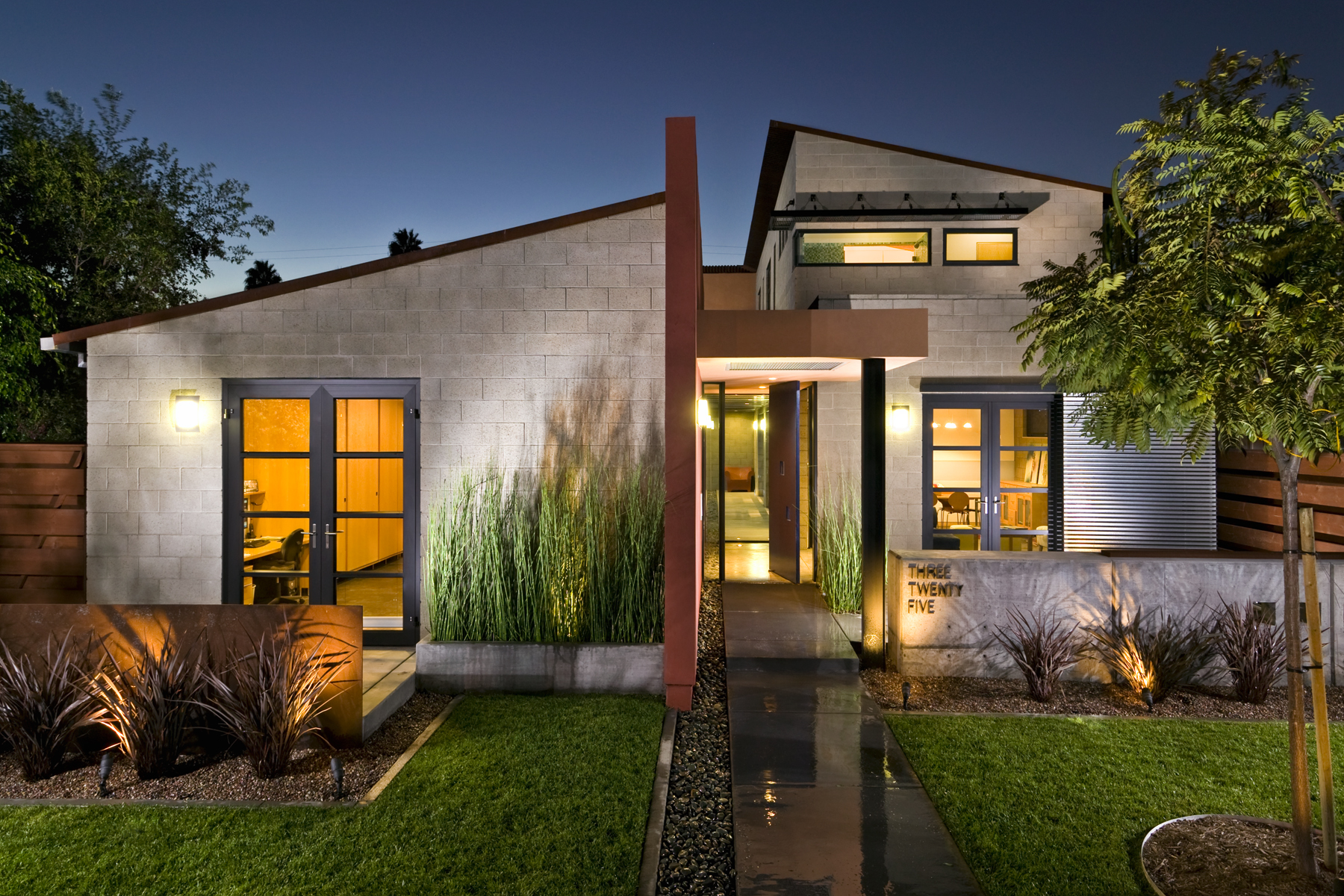 Front Elevation Twilight-LD-Strech.jpg