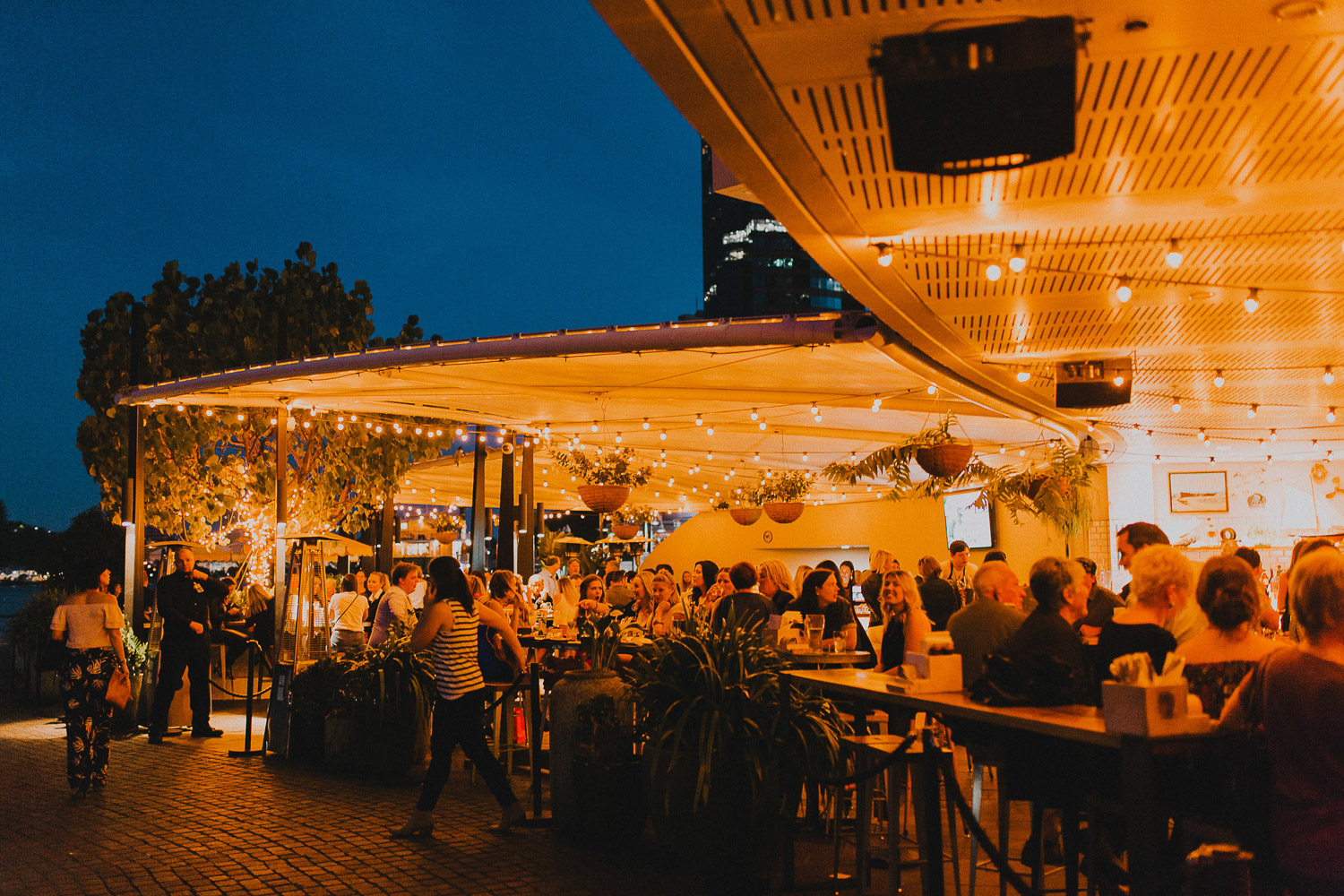 Brisbane waterfront bars and cafes