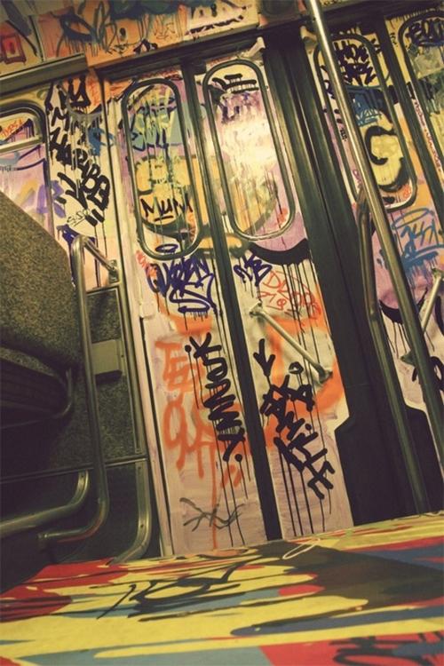 Posted-On-Shock-Mansion-325_large.jpg