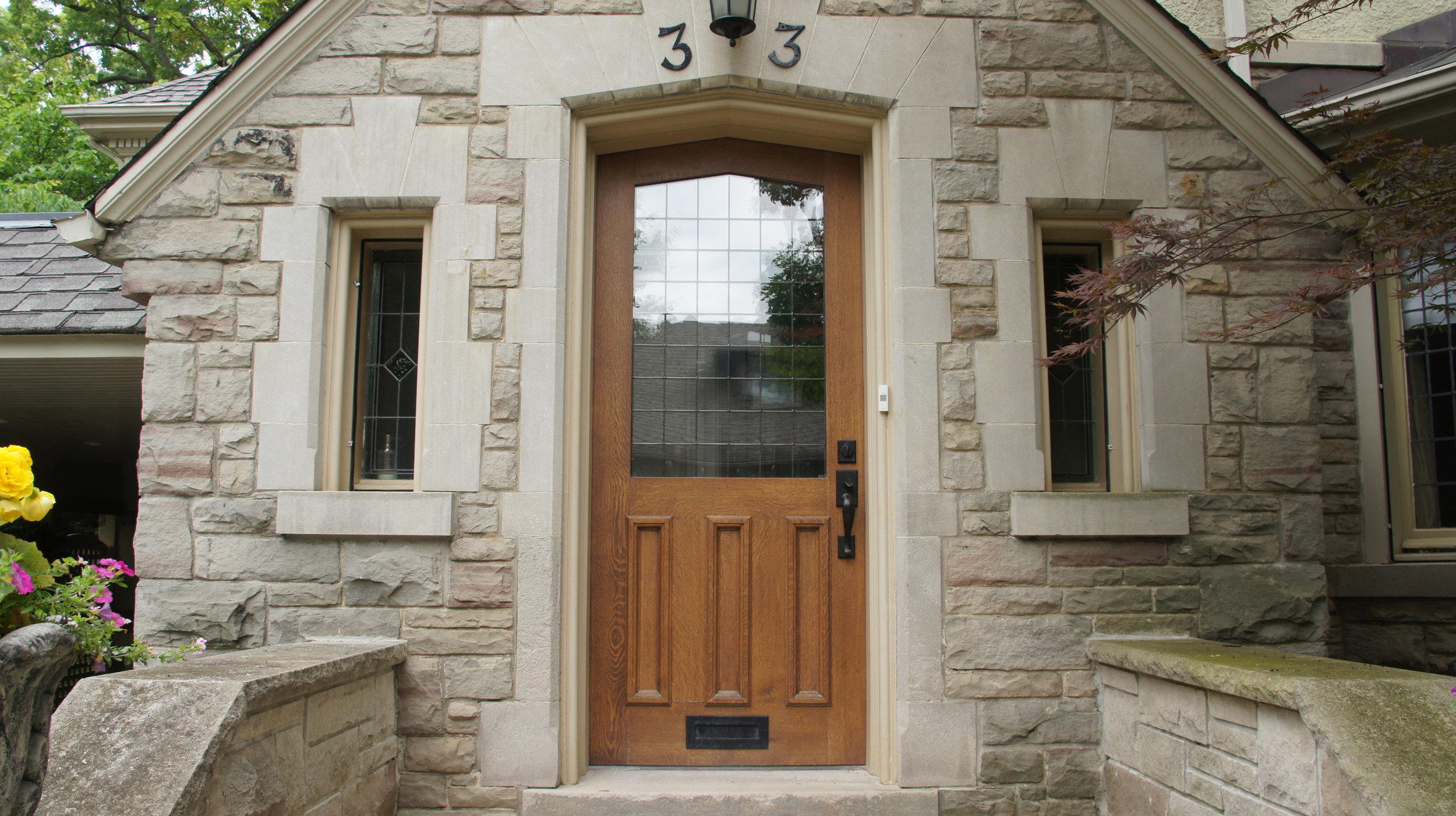 """#33 →</a><strong>2 1/4""""-thick Quartersawn White Oak with recessed panels and leaded lites to match home's fenestration.</strong>"""