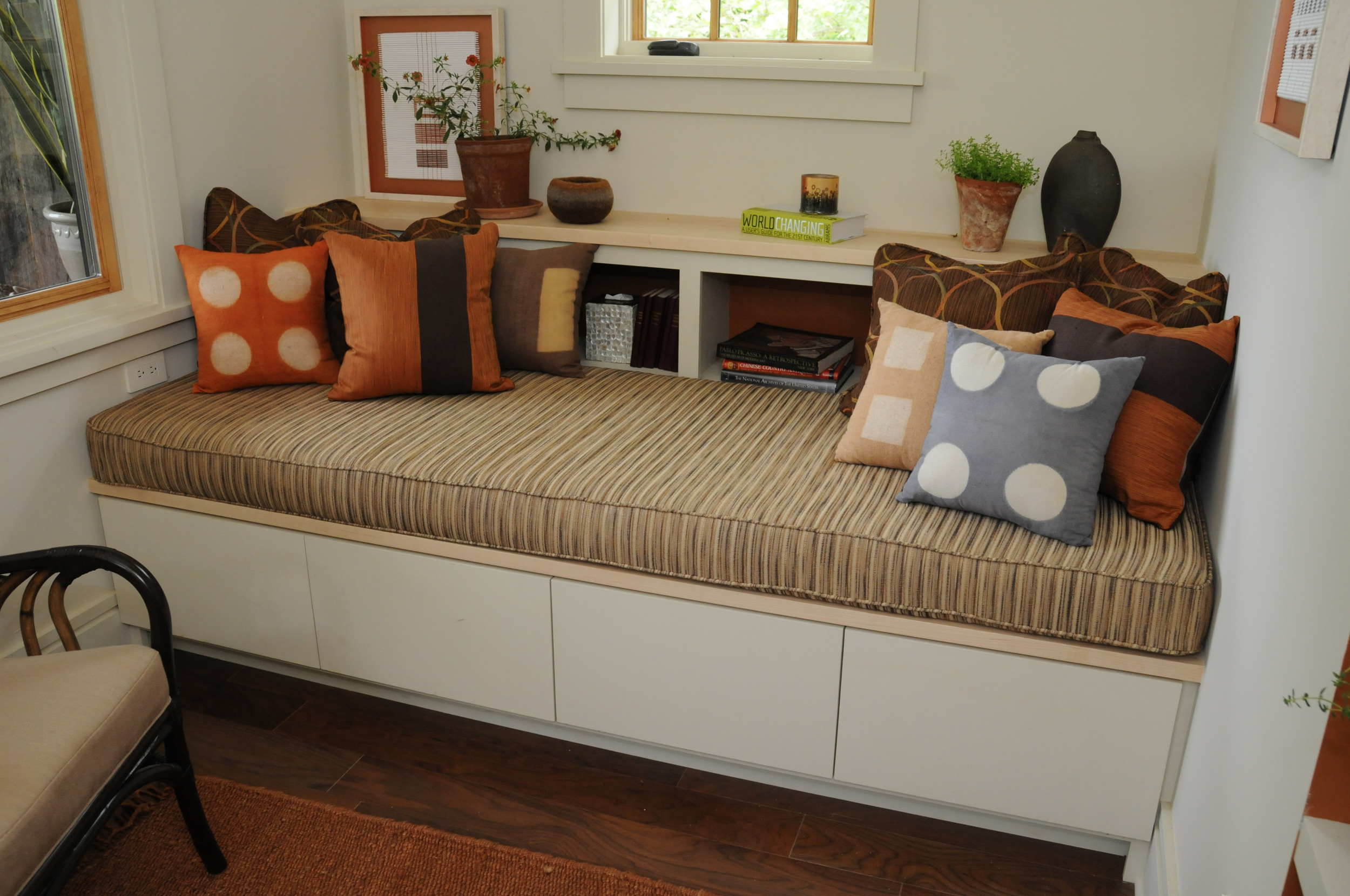 """""""Southern Living Idea House 2008 Davidson Gap"""" Reading Room Daybed"""