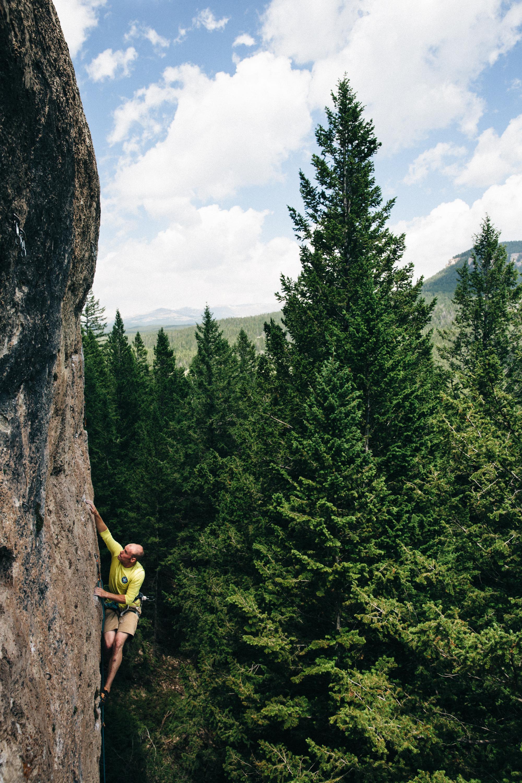 Erik Swanson sending The Cloud Peak Vista Traverse Company (5.11a) in Ten Sleep, Wyoming. Michael Lim Photography 2015 ©