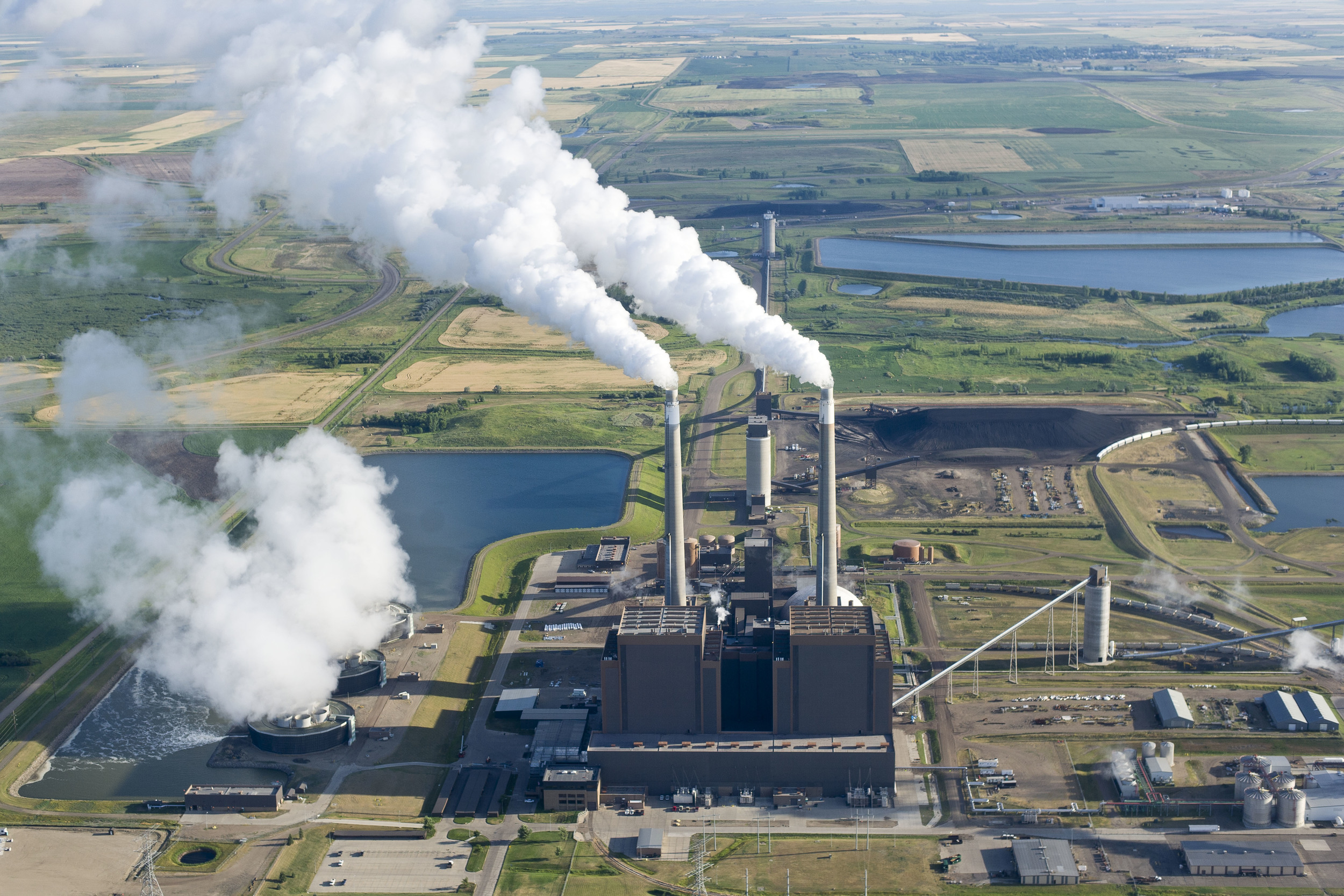 Coal Creek Station, a 1.2 gigawatt lignite-fired electricity plant located near Washburn–the largest in the state.