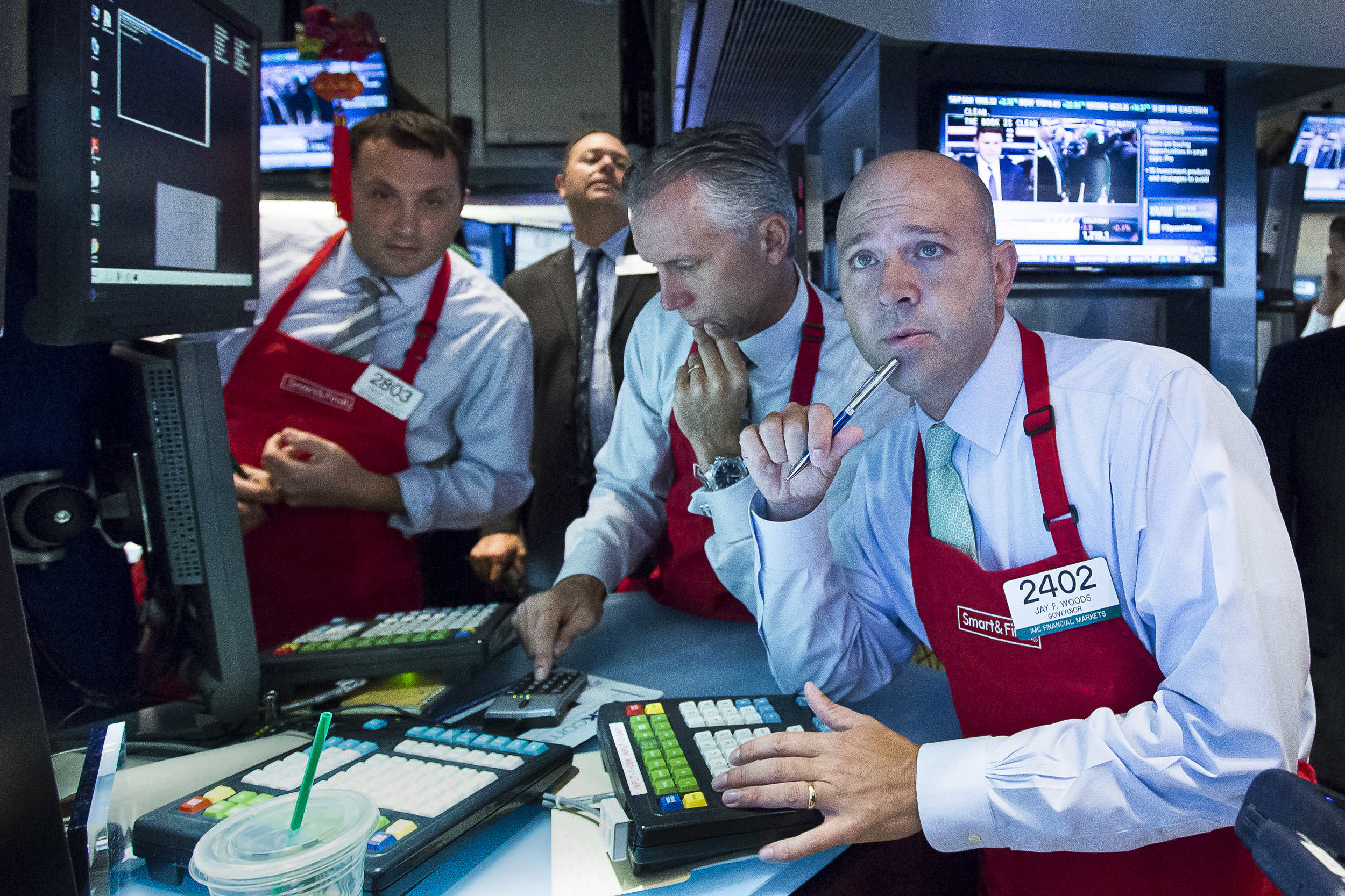Studying the stock price during the IPO for Smart & Final, an upscale grocery store chain.