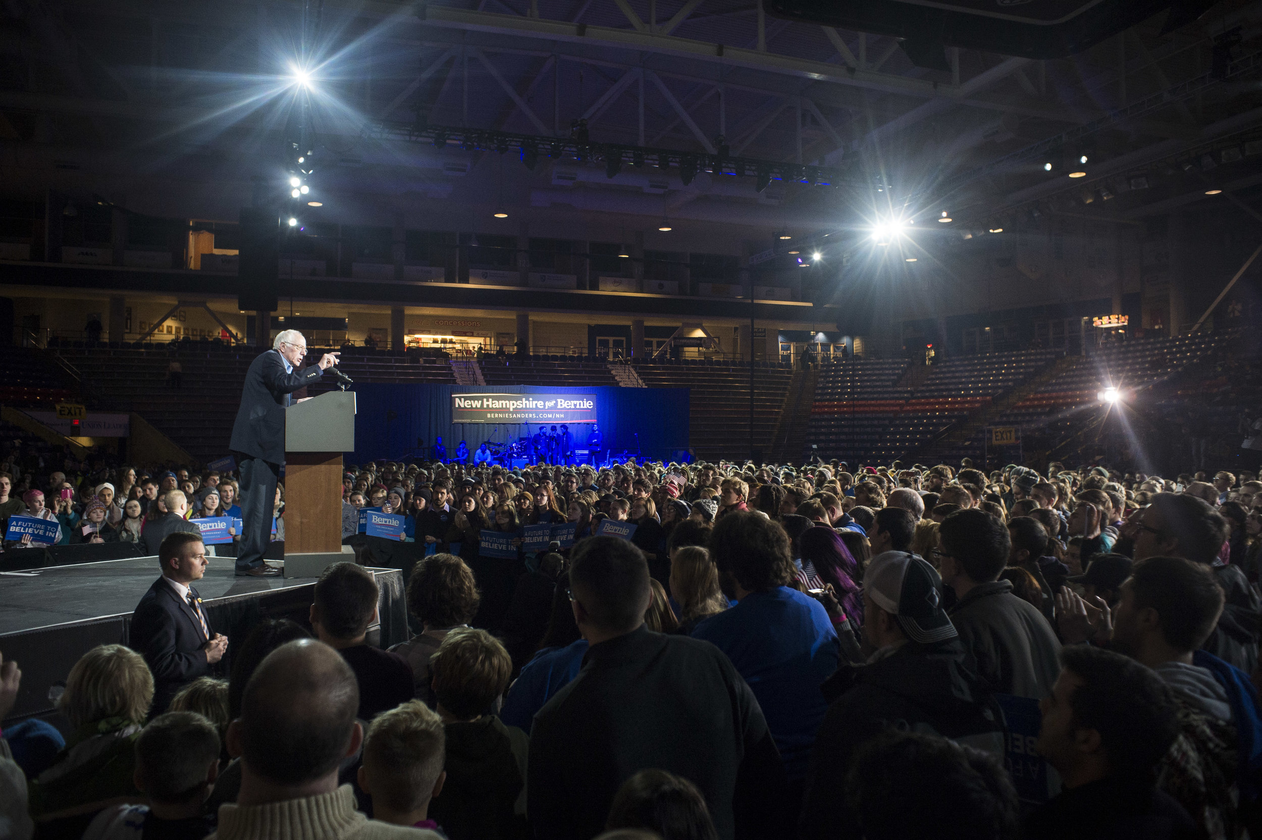 Senator Bernie Sanders (I-VT) addresses the crowd at the University of New Hampshire. Sanders won every county in the state.