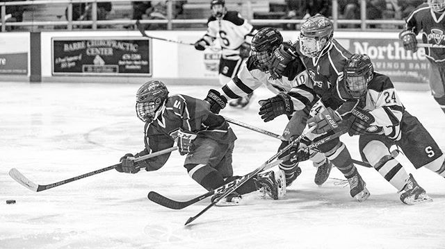There's only one way this ends... #hockey #highschoolhockey #highschoolsports #highschoolsportsphotography #photojournalism #nikon #sportsphotography