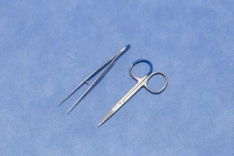 Biopt set LM2016190 (per doos van 100 sets)   1 Iris schaar 9 cm  1 Iris chirurgisch pincet fijn 1x2 tanden 10 cm